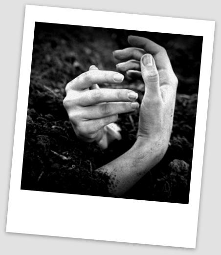 mujer_halla_el_cadaver_de_su_madre_enterrado_en_su_patio-focus-0-0-480-345.jpg