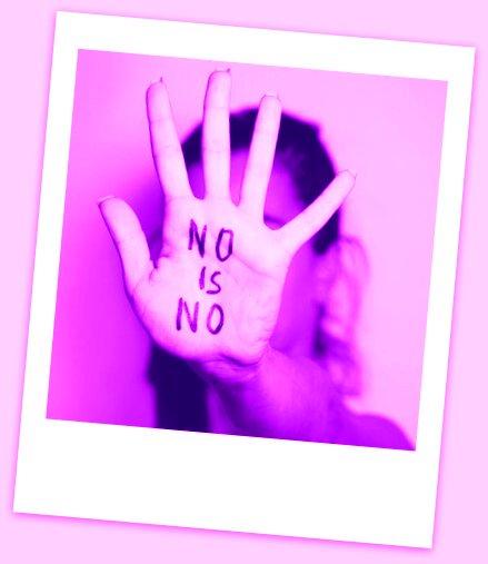 mujer-con-mensaje-en-la-mano-no-es-no