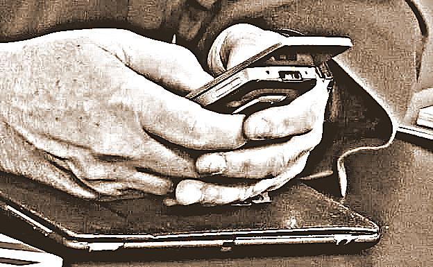 TELEFONO-MOVIL-k0VH-U604844376597NB-624x385@Las Provincias.jpg