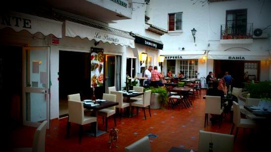 la-piazzetta-ristorante.jpg