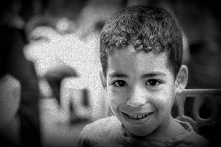 47083760-fes-marruecos-alrededor-de-septiembre-de-el-año-2015-un-niño-marroquí.jpg